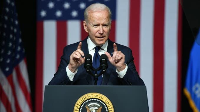 O presidente dos EUA, Joe Biden, fala durante a comemoração do 100º aniversário do Massacre da Corrida de Tulsa no Centro Cultural Greenwood em Tulsa, Oklahoma, em 1 de junho de 2021.