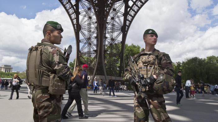 """""""Je préfère être la cible plutôt que ce soit des civils ou des enfants"""": des militaires de l'opération Sentinelle témoignent"""