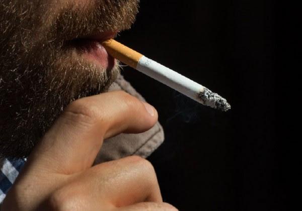 7,1 εκατ. άνθρωποι πεθαίνουν ετησίως λόγω του τσιγάρου- Κέρδη για τις καπνοβιομηχανίες