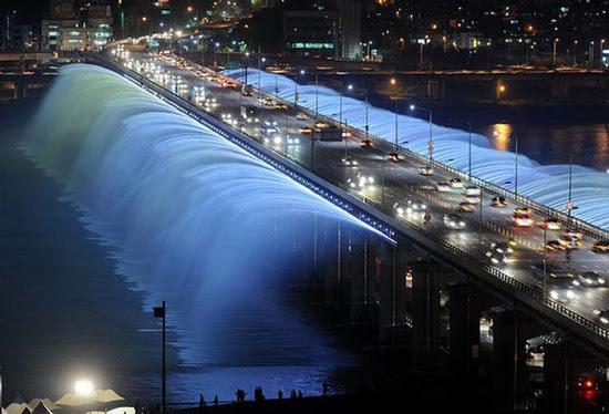 105232,Xcitefun-Seouls-Banpo-Bridge-0