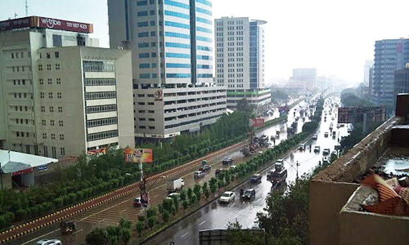 Karachis long Shahra-e-Faisal Road. One of the citys neutral zones.