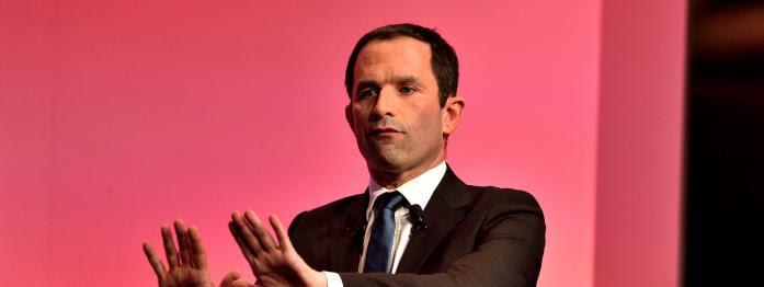 Hamon dévoile son programme, Montebourg demande à Mélenchon de renoncer, Macron rencontre Merkel...