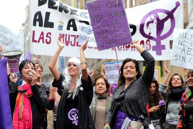 Manifestación, este domingo en Madrid, en motivo del Día Internacional por la Despenalización del Aborto, días después de la retirada de la reforma de ka ley de Gallardón. EFE