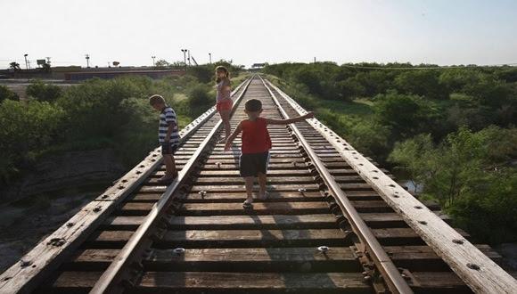 El hecho de aplazar la reforma migratoria en EE.UU. les ha sentado como una puñalada a los indocumentados en el país, sobre todo a los más vulnerables, los menores de edad.