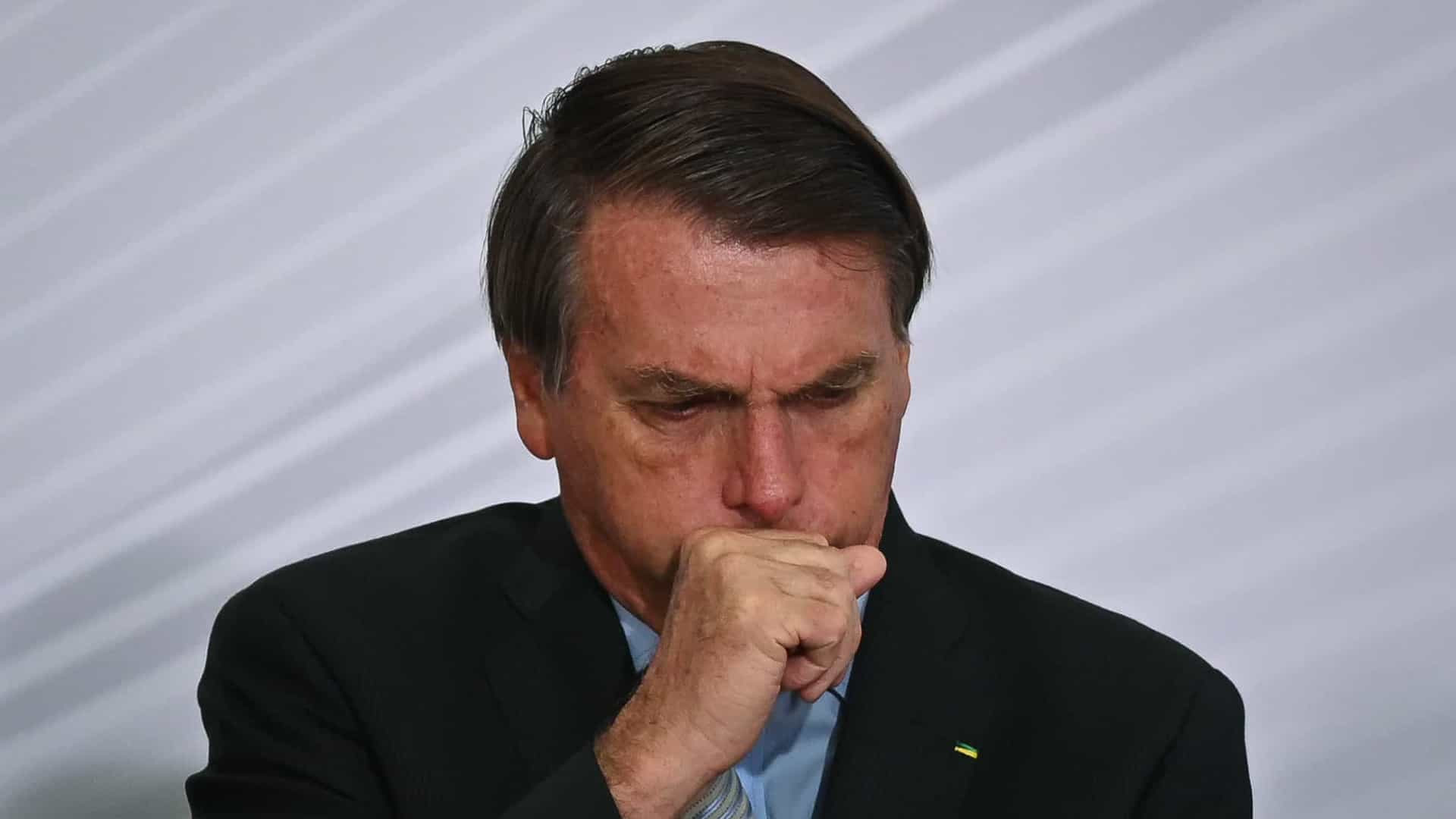 'Eu não vou tomar vacina e ponto final, problema meu', diz Bolsonaro