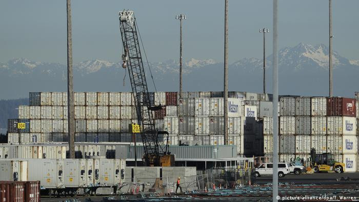 Contêineres no porto de Tacoma, nos Estados Unidos