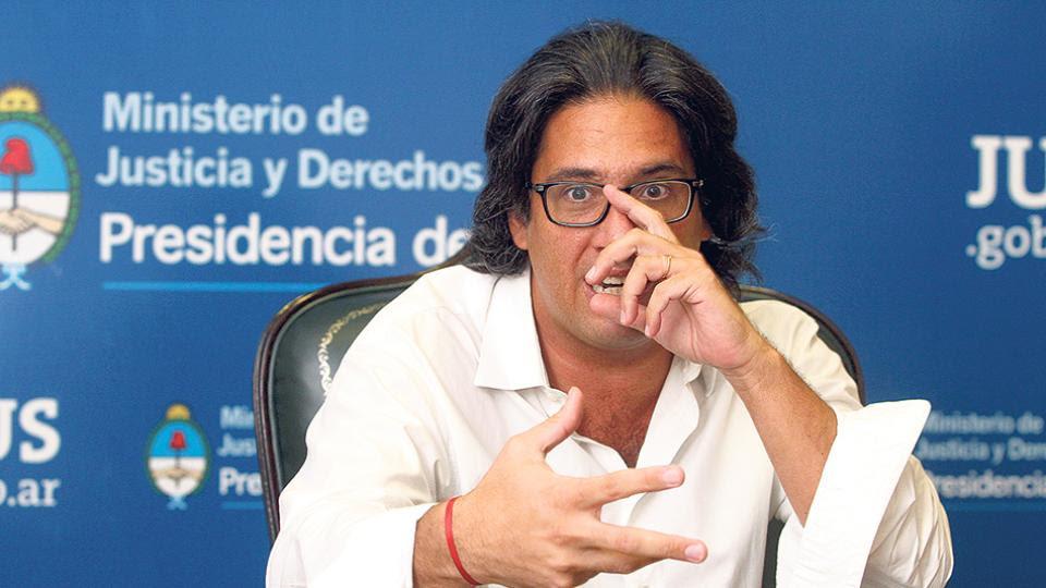 Telleldín denunció al ministro de Justicia por encubrimiento del atentado a la AMIA Por proteger a los fiscales