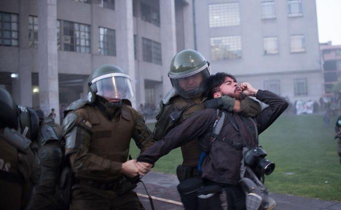Denuncian a Carabineros por violentas detenciones, disparos y exceso de lacrimógenas en Concepción