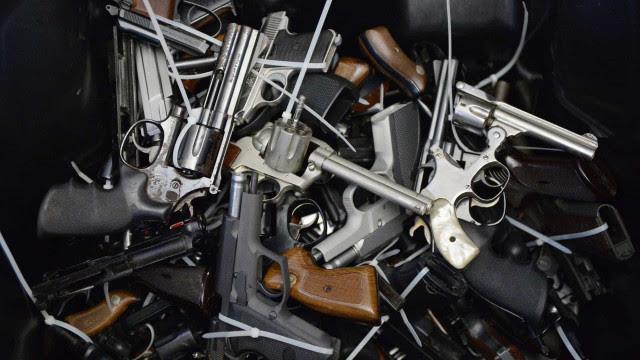 Ex-vereador do Guarujá é preso suspeito de transportar arsenal na Bahia