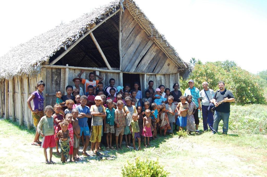 Biserica plantata in jungla de pastorul Andre