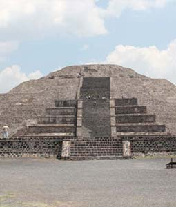 New Secret Tunnel Discovered Under the Ancient Temple of the Moon at Teotihuacan