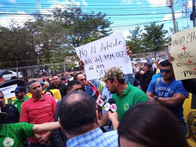 Ciudadanía se moviliza contra la privatización del agua y la energía eléctrica