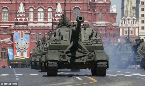 La Russie ordonne à tous ses fonctionnaires vivants à l'étranger de rentrer, alors que les tensions montent devantl'hypothèse d'une guerre mondiale