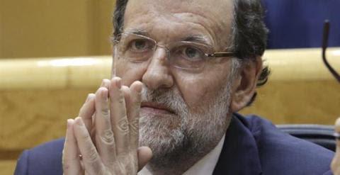 Rajoy, en la sesión de control celebrada en el Senado. / EFE
