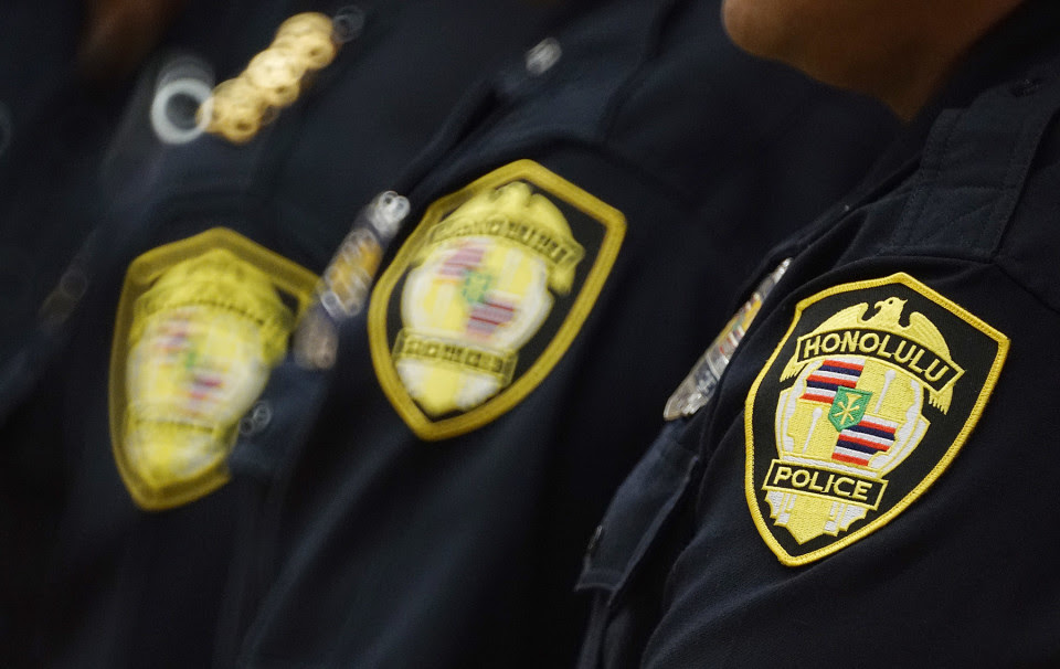 City-Council-Mtg-HPD-Honolulu-Police-patches-960x606.jpg