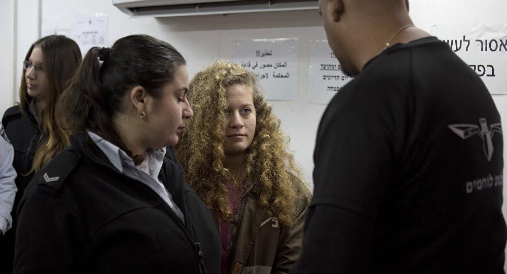 La familia de Ahed Tamimi denuncia abusos verbales contra ella por parte de los policías