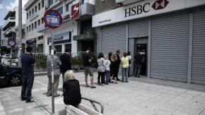 La Grèce ferme ses banques et limite les retraits à 60 euros par jour