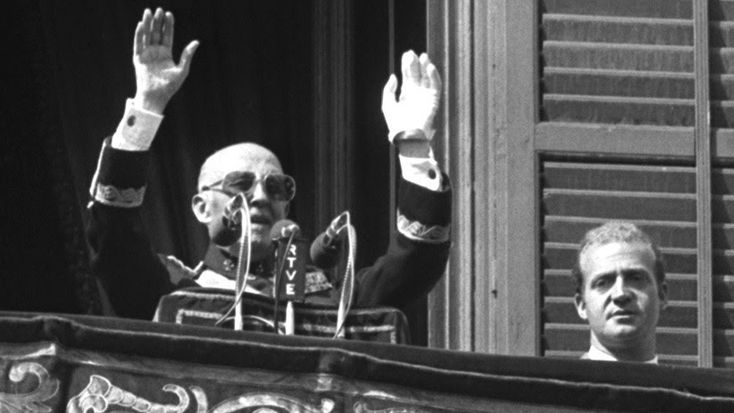 El Gobierno de España aprueba el decreto que permitirá exhumar a Francisco Franco