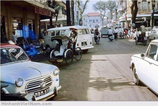 Đường Nguyễn Văn Thinh 1967, nay là Mạc Thị Bưởi.