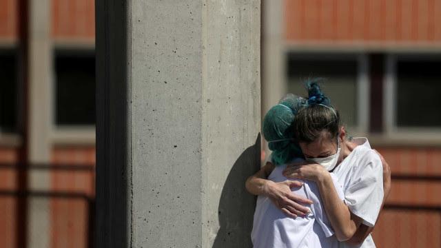 Em menos de 24 horas, pai, mãe e filho morrem de Covid no interior de SP