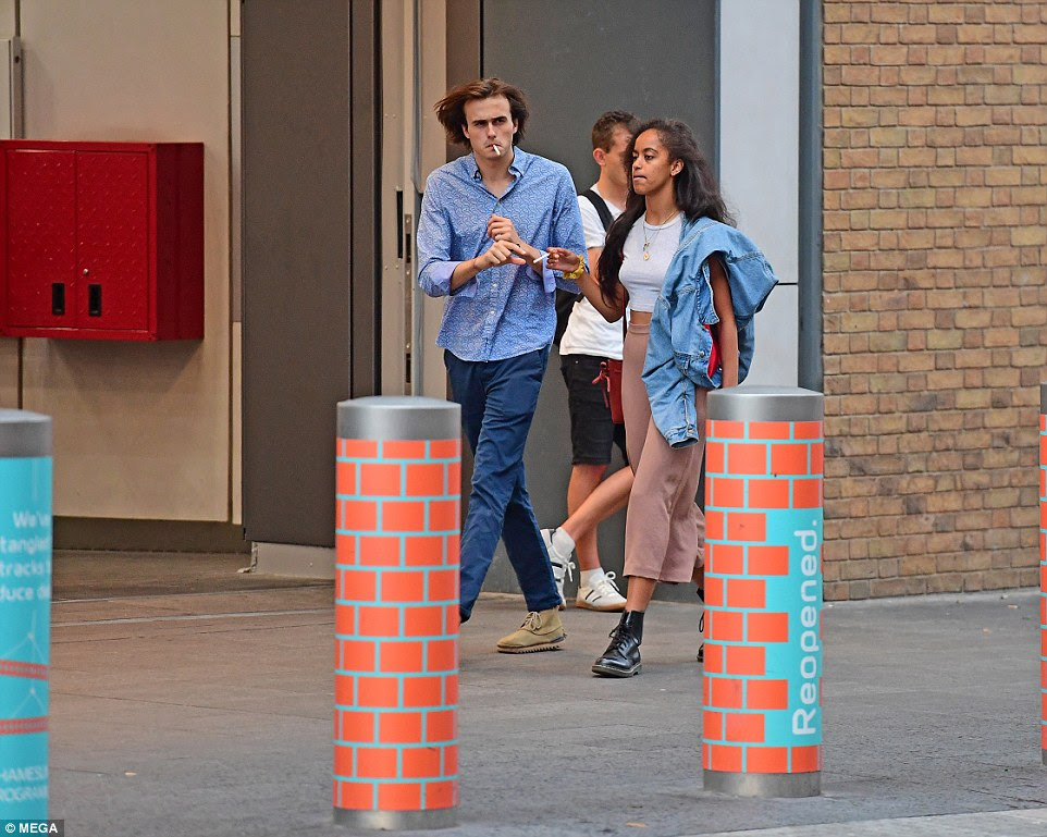 They were later seen walking down a London street, both puffing away on cigarettes