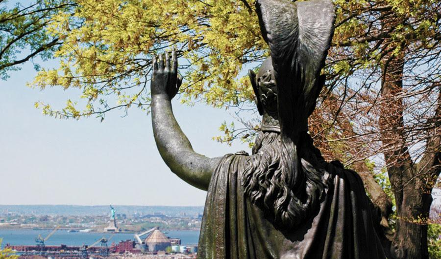 A história por trás da estátua da liberdade do menos conhecido Brooklyn gêmeo