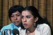 14. Dolores Madrigal y Antonia Hernández en conferencia de prensa.