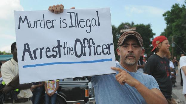 Ferguson, piden arresto de policía