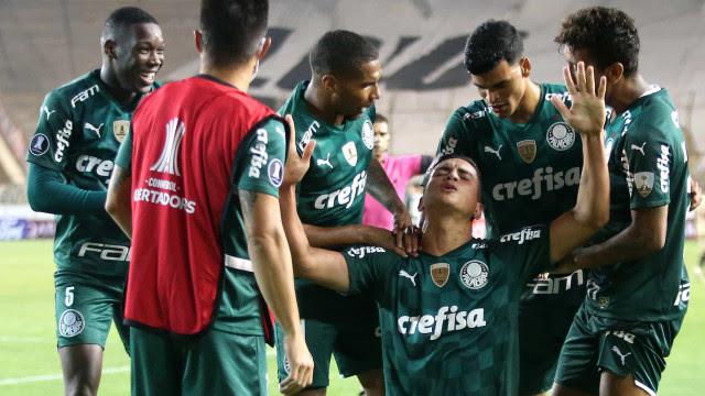 Palmeiras abre 2 a 0, cede empate, mas vence no Peru em estreia na Libertadores