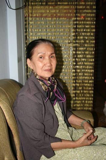 Bà Ngô Thị Kim Thanh, ảnh chụp vào ngày giỗ lần thứ 40 của chồng (27 Tết 2014). Nguồn: FB Huy Đức