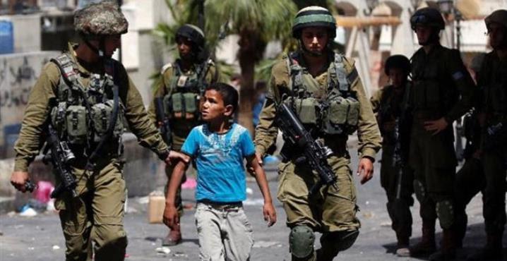 Fuerzas israelíes arrestaron a más de 300 niños palestinos en tres meses