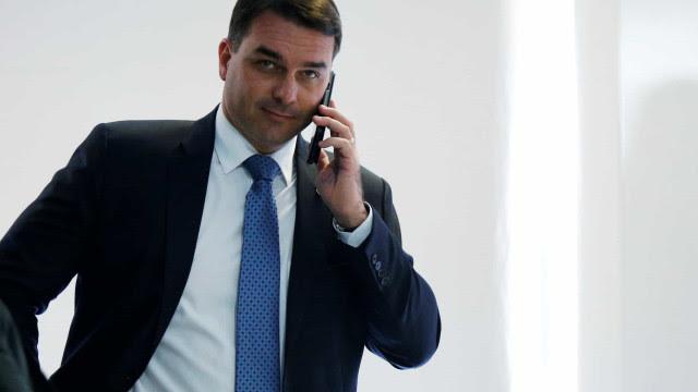 Ministro mantém veto à divulgação de documento do caso das 'rachadinhas'