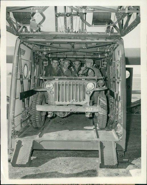 Jeep in glider