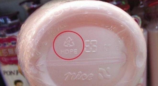 hộp nhựa, đáy chai nhựa, hình tam giác, ý nghĩa hình tam giác