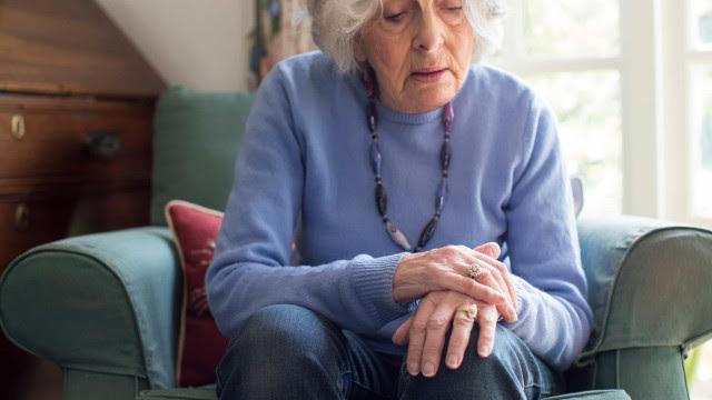 Risco de morte por Covid-19 é três vezes maior em pacientes com demência, diz estudo