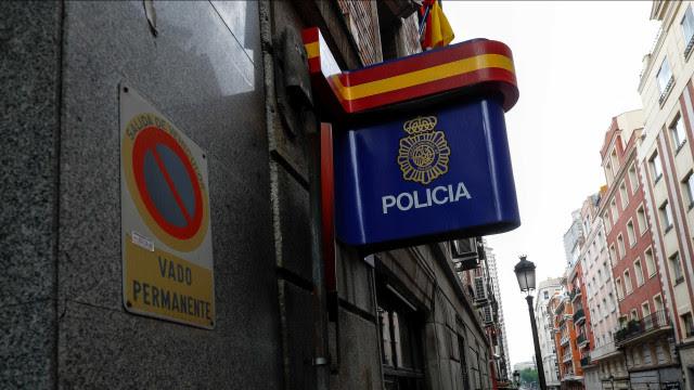 Manifestantes tomam as ruas de Madri em 2º dia de atos contra prisão de rapper