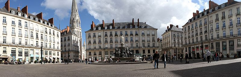 File:Vue panoramique de la place Royale (Nantes).jpg