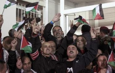 Celebrations in Ramallah as Palestinian prisoners released.