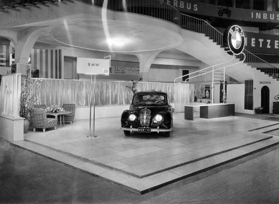 BMW 501, conocido como 'El Ángel barroco', en el Salón del Automóvil de Frankfurt. /BMW PRESSE