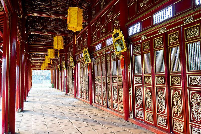 File:Trường lang Đại nội Huế(1).jpg