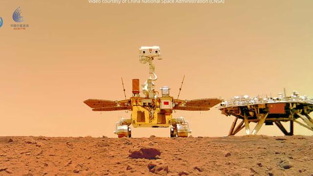 Rover chinês compartilha fotografia panorâmica de Marte