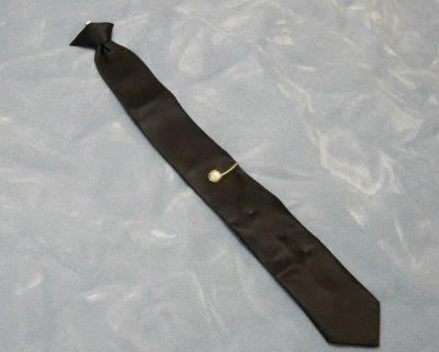 ο Νταν Κούπερ έβγαλε τη γραβάτα του πριν πέσει από το αεροπλάνο