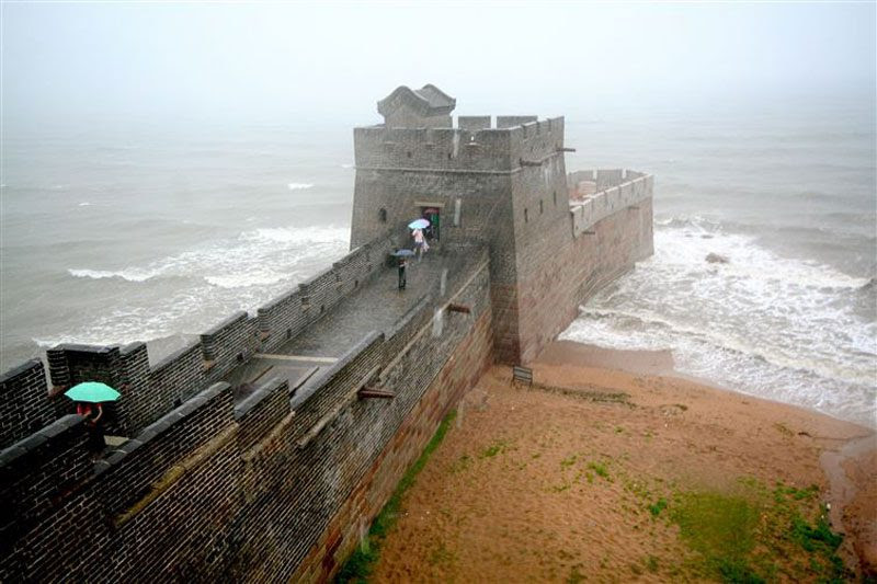 The end<br>                                                          of the great<br>                                                          wall of china