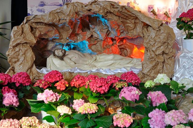 Znalezione obrazy dla zapytania adoracja jezusa w grobie