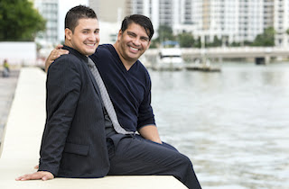 https://campaign-image.com/zohocampaigns/443550000020101010_zc_v39_1621966002301_mid_latino_couple_copy.jpg