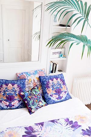 MINI 30 x 30 cm 100% Cotton CLASSIC 45 x 45 cm 100% Silk MEDIUM 70 x 70 cm 100% Silk