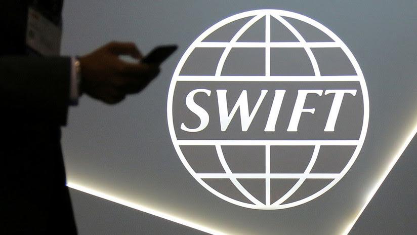 EE.UU. amenaza con sanciones al sistema SWIFT si este no corta los servicios financieros a Irán