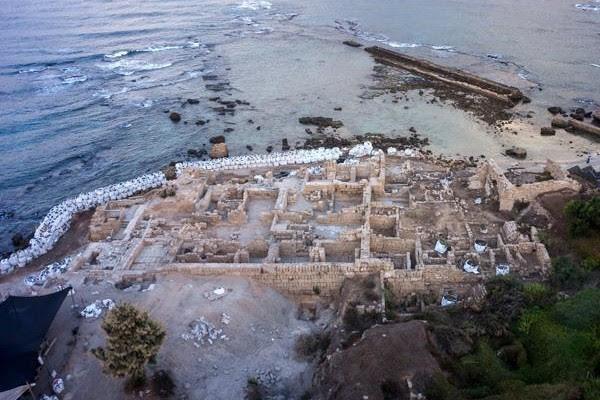 El sitio arqueológico de Cesarea Marittima está enriquecido.