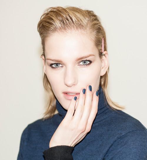 tendencias-manicura-invierno-2013-unas-azul-mate