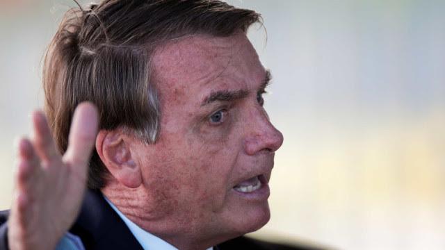 'Quem manda sou eu', diz Bolsonaro ao anunciar recurso contra veto